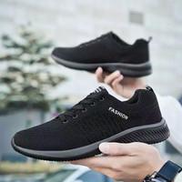 Sepatu Sneakers Pria Running Sport Fashion Import Murah Premium