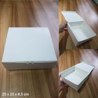 Dus Putih uk. 25 x 25 x 8.5 cm, utk kue, lapis surabaya, legit, dll