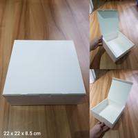 Dus Putih Uk. 22 x 22 x 8.5 cm, utk kue, lapis surabaya, legit, dll