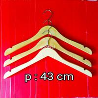 Hanger Kayu NATURAL Dewasa / Gantungan Baju . DIJAMIN KUALITAS BAGUS