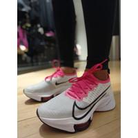 Sepatu Lari Wanita Nike Air Zoom Tempo NEXT% White/Pink Blast/Black