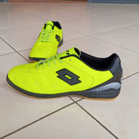 Sepatu Futsal Sport LOTTO hijau stabilo big size 45-47