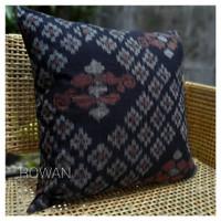 Sarung Bantal sofa Ikat Supreme Black 50x50