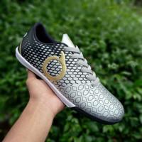 Sepatu Futsal Ortuseight Silver Black - Silver Black, 39