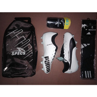 Paket Komplit Sepatu Bola Puma Putih