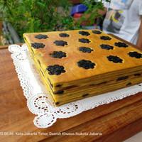 Kue Lapis legit Premium Topping prunes/keju/almond/kismis/cran/blueber