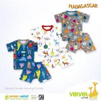 Velvet Junior Setelan Oblong + Celana Pendek / Madagascar / Size XL - White