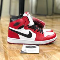 """Nike Air Jordan 1 Retro High OG Chicago"""""""