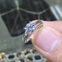 cincin soliter emas putih simple dan manis