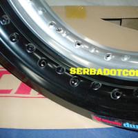 Velg Champ 300 Ring 17 Black Silver not rossy tdr