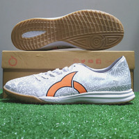 Sepatu Futsal Ortuseight Catalyst Legion IN - White/Ortrange