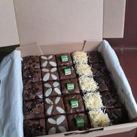 Brownies Fudgy crust 20x20