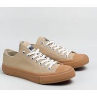 Sepatu Warrior Neo Sparta Gum Low Cut LC Cream Sneakers Pria Wanita