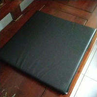 Bantal Duduk Kulit Tebal 8cm dan 5cm Bulat/Kotak - Bulat 40x40 5cm, Abu-abu