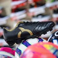 Sepatu Bola Ortuseight Mirage FG – Black/Gold