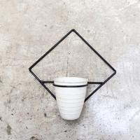 rak pot dinding besi / pot tempel / hiasan bunga