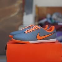 Sepatu Futsal Nike Tiempo Orange Black - Abu-abu, 39
