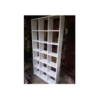 Sekat Ruangan Kayu 18 kotak / Rak Buku / Interior Ruangan Furniture