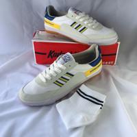 Kodachi 8116 Biru Kuning / Sepatu Badminton Gratis Kaos Kaki