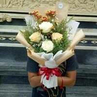 Buket bunga asli bunga segar hadiah ultah wisuda anniv
