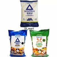 Tepung Terigu Segitiga Biru dan Cakra Premium 1 kg