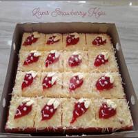 Strawberry Cheese Cake / Bolu Lapis Stroberi Keju / Kue Ulang Tahun