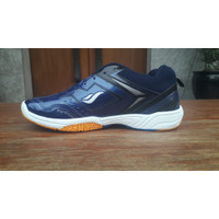 Sepatu Badminton Pria MERK JAMES - biru navy, 39