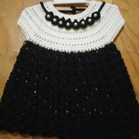 Baju Bayi Perempuan Rajut Putih Hitam