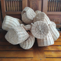 Gowok Sarang Kenari/Blekcrut | Aksesoris Sangkar Burung Kicau