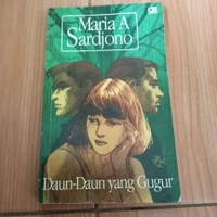 Novel daun-daun yang gugur karya maria a sardjono