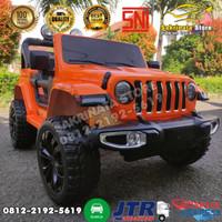 Mobil Remote Aki Mainan Anak Jeep Rubicon Ban Karet