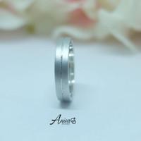 cincin wanita model simple bahan emas putih