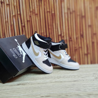 Sepatu Anak Nike Air Jordan 1 Kids High White Black Gold
