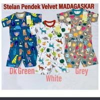 Velvet Junior Madagaskar Size L / Baju Bayi Dan Anak