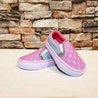 Sepatu Anak Vans Old School Checkboard Slipon Grey Pink Grade Original