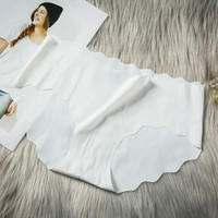 Celana dalam seamless wanita ES SUTRA TANPA JAHITAN ANTI NYEPLAK J063 - Putih, M