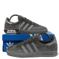 Sepatu Sneakers Casual Adidas Broomfield Triple Grey Abu Premium BNIB