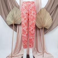 Celana motif etnik