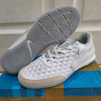 Sepatu futsal nike tiempo legend 8 IC white silver grey