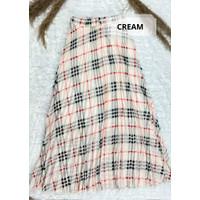 Rok Plisket Kotak Muslimah / Gabriela Square Pleated Flare Skirt - Cream