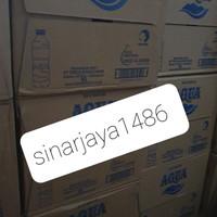 GOJEK GRAB SURABAYA! hrg 1 dus air minum aqua botol 600ml -air mineral