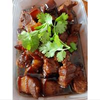 Uncle Lau Kitchen - Babi/Samcan Kecap Spesial Paman Lau kemasan 1/2 kg