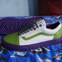 Sepatu Vans Old Skool X Toy Story Buzz Lightyear