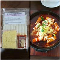 toppoki / topoki/topokki/tteokbokki/teokbokki/ spicy with cheese korea