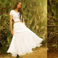 Baju Crop Wanita Dhovu Apparel Warna Putih Cempaka Top Smocked Blouse