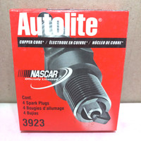 Busi Autolite 3923 Made in USA. ( 1dus 4ps= 60rb )