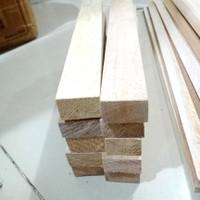 Kayu Balsa balok 2cm Block balsa strip 20mm x 2.5cm x 55cm 1pcs