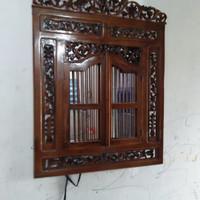 kaca cermin jendela ukir dari kayu jati tanpa kaca