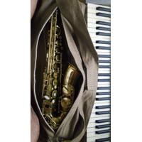 Alto saxophone prelude conn selmer