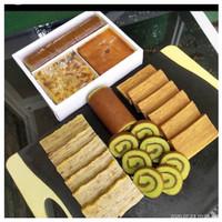Paket kue trio happy (maksuba, lapis legit, bolu gulung) 1 box